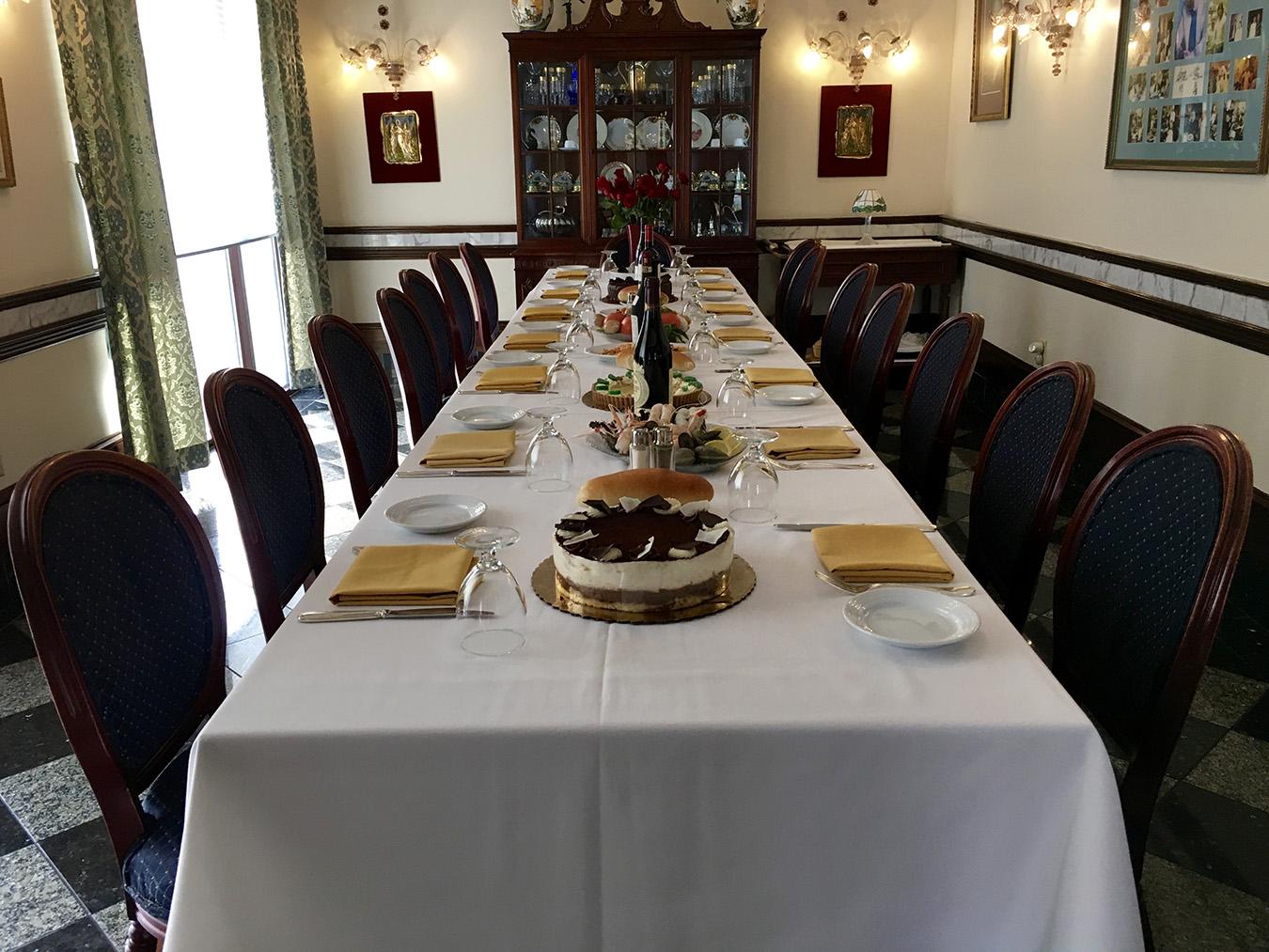 Ristorante la perla of washington dc georgetown s five for Best private dining rooms washington dc